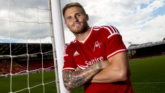 Striker Joins the Dons