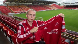 Willo extends his stay with the Dons