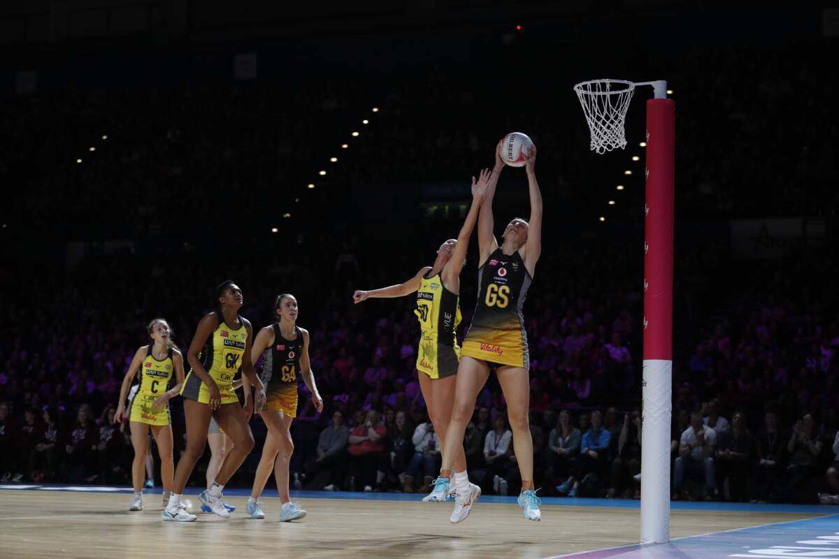 Rachel Dunn re-signs for Wasps Netball for 2021