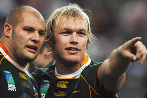 2008 Magners League champions Leinster have strengthened their squad with the signing of South African World Cup winner CJ Van Der Linde and Australian international back-row forward Rocky Elsom. - 26/06/2008 12:43