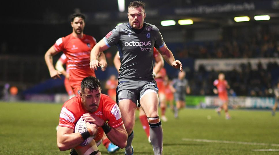 Hardwick's last ditch winner settles bruising battle with Cardiff