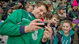 Irish Rugby TV: Thousands Cheer On Squad At Open Training