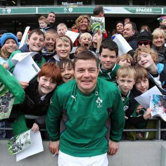 Irish Rugby TV: Ireland Fans Fun At O2 Open Training Session