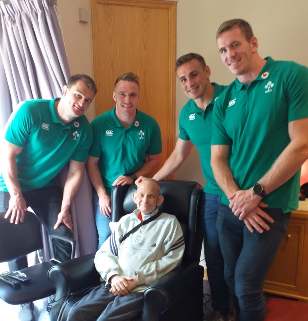 Members of the Ireland Squad visit the Galway Hospice