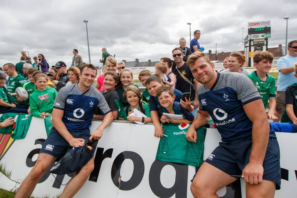 Ireland Players Train And Meet Fans At The Sportsground