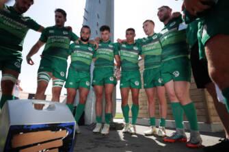 Ireland Men's Sevens team huddle