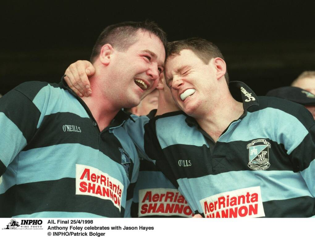 The late Anthony Foley of Shannon celebrates winning the All-Ireland League with Jason Hayes © INPHO/Patrick Bolger