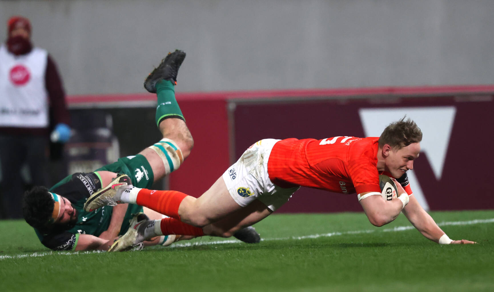 Munster Edge Out Connacht To Book PRO14 Final Place