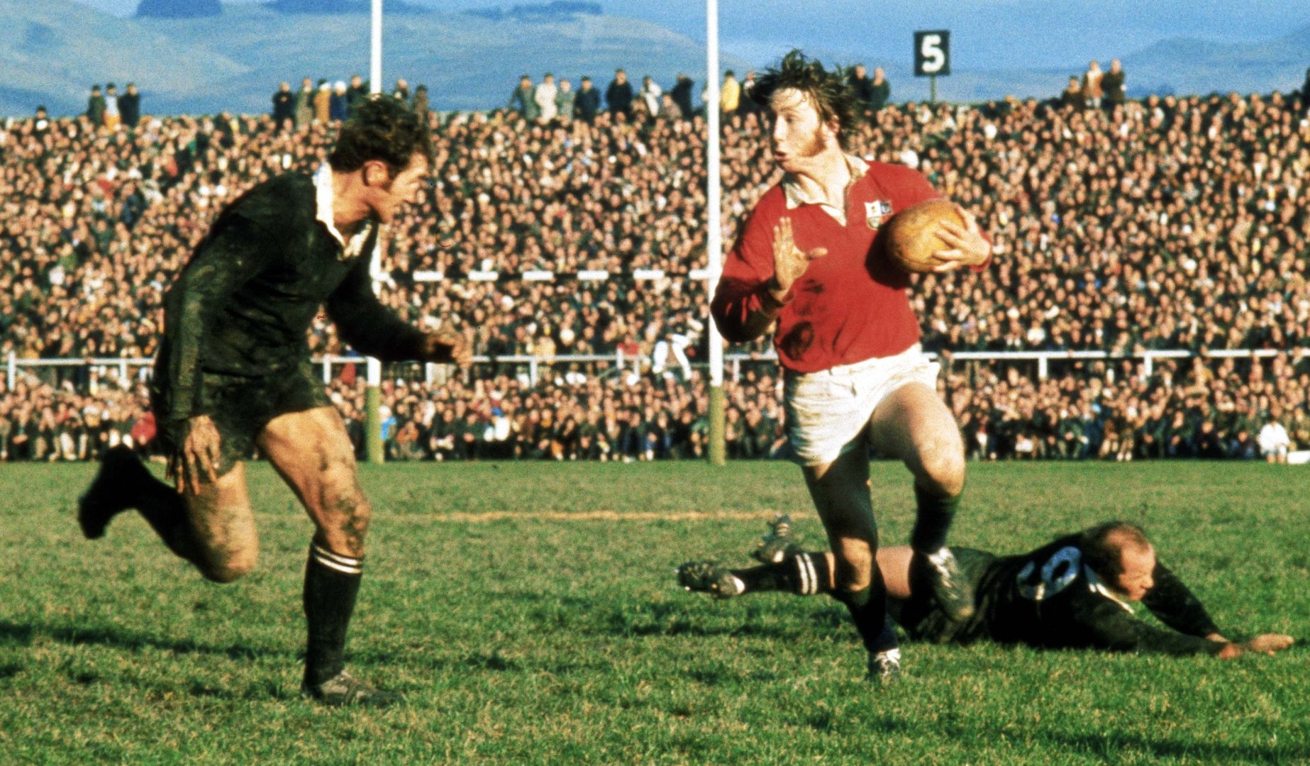 On This Day – 1971 JPR drop goal seals series victory in New Zealand