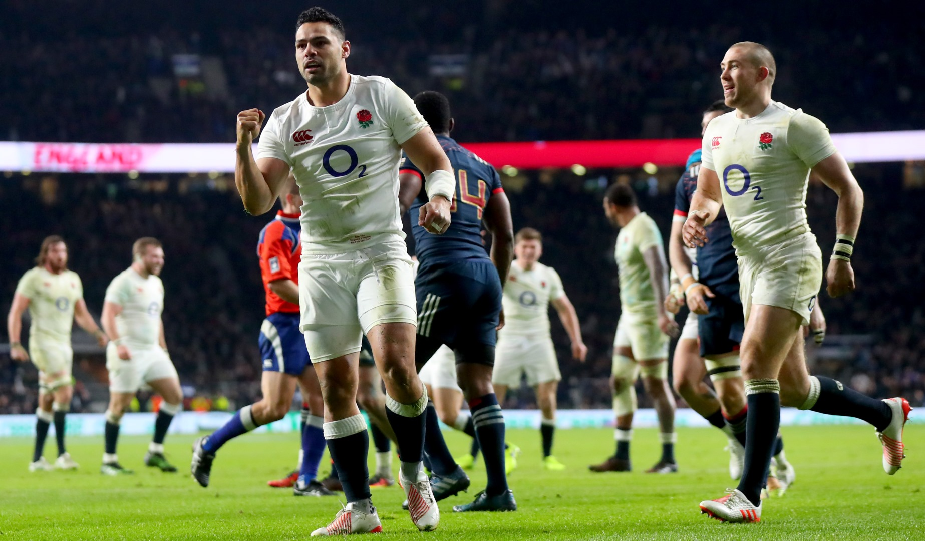 LionsWatch: Te'o strikes late to keep England's unbeaten run alive