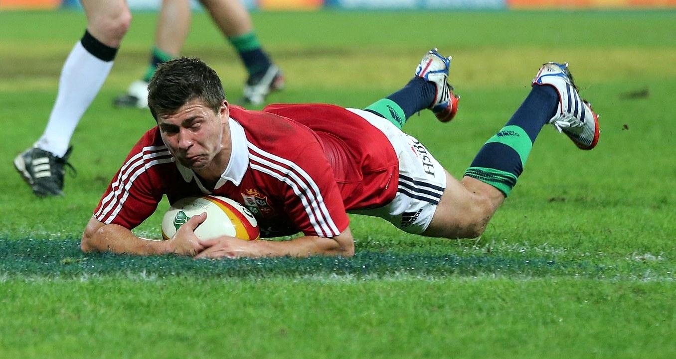 Youngs backed to retain No9 shirt long-term