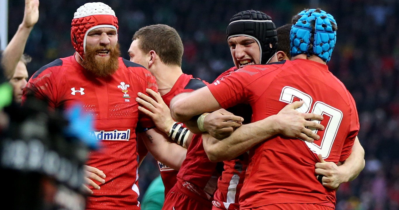 Lions Warburton and Tipuric pair up for Wales