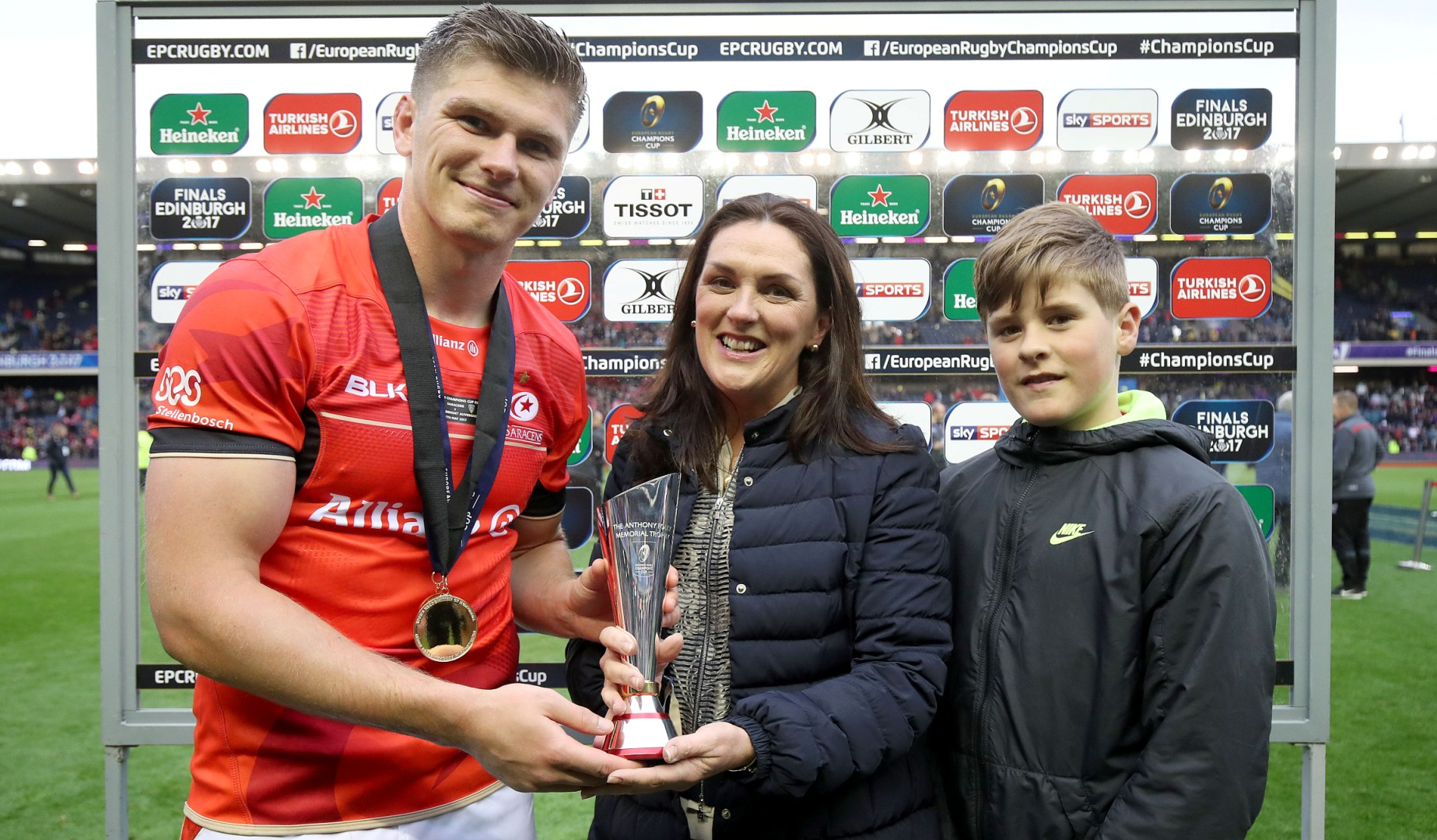 Farrell awarded Anthony Foley Memorial Trophy as European Player of the Year