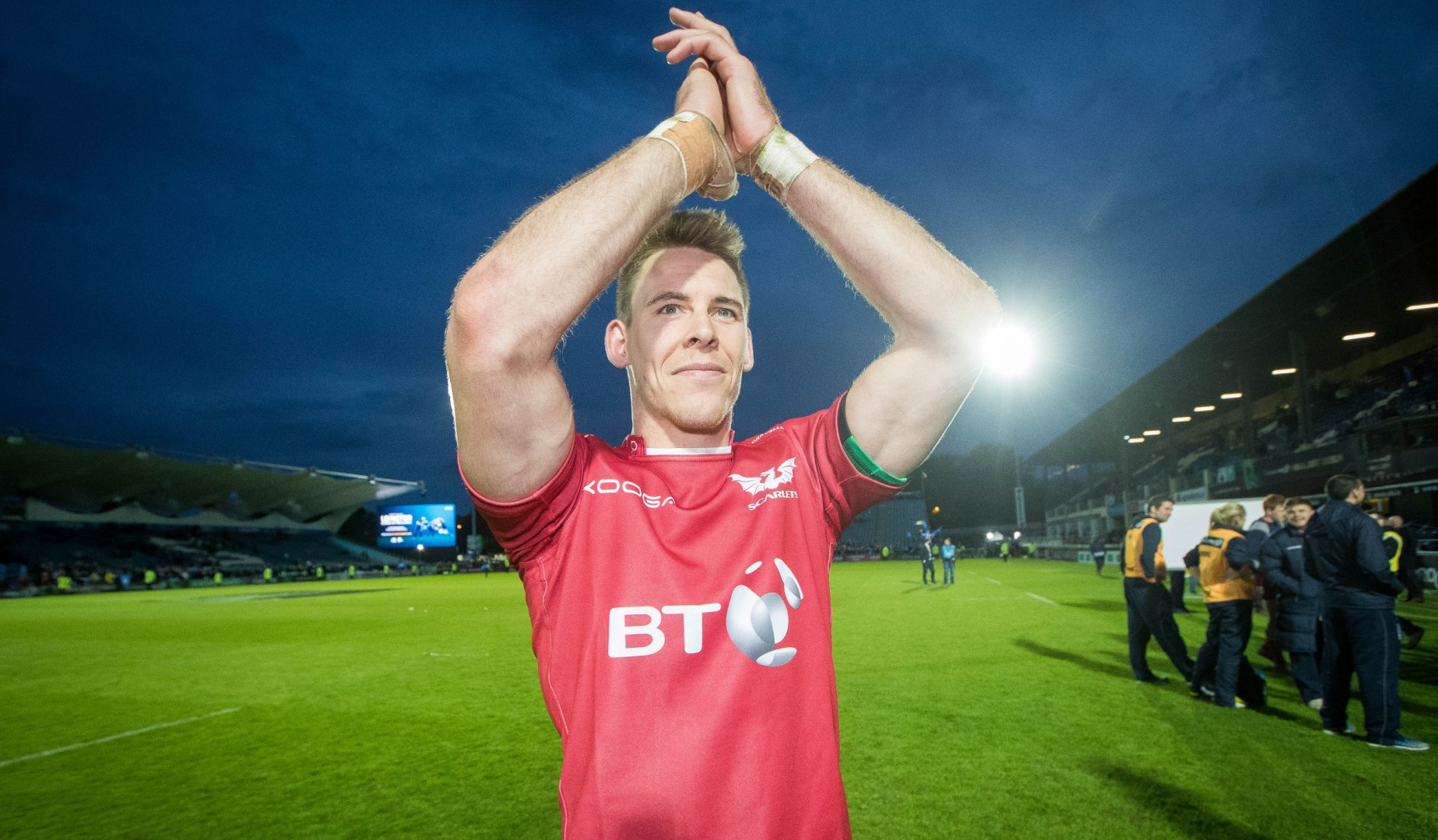 Williams stars as Scarlets book place in PRO12 final
