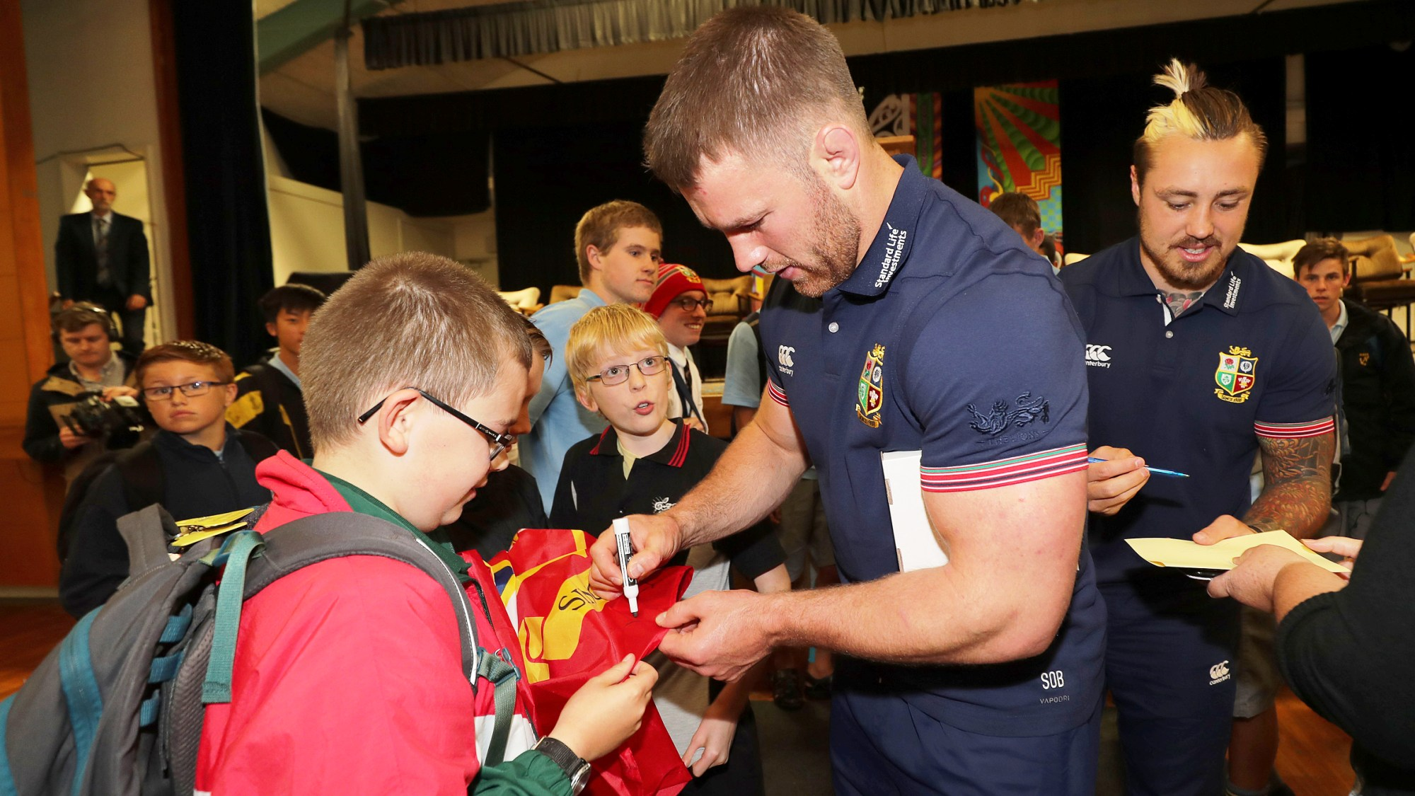 Best of social! The Lions visit communities in Auckland