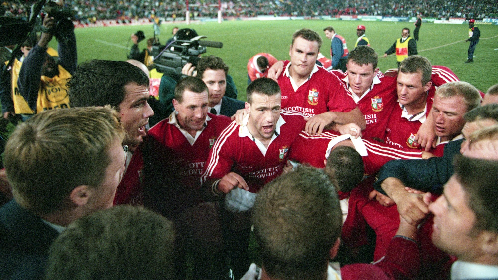 Competition – Win a Signed and Framed Print of the 1997 Team