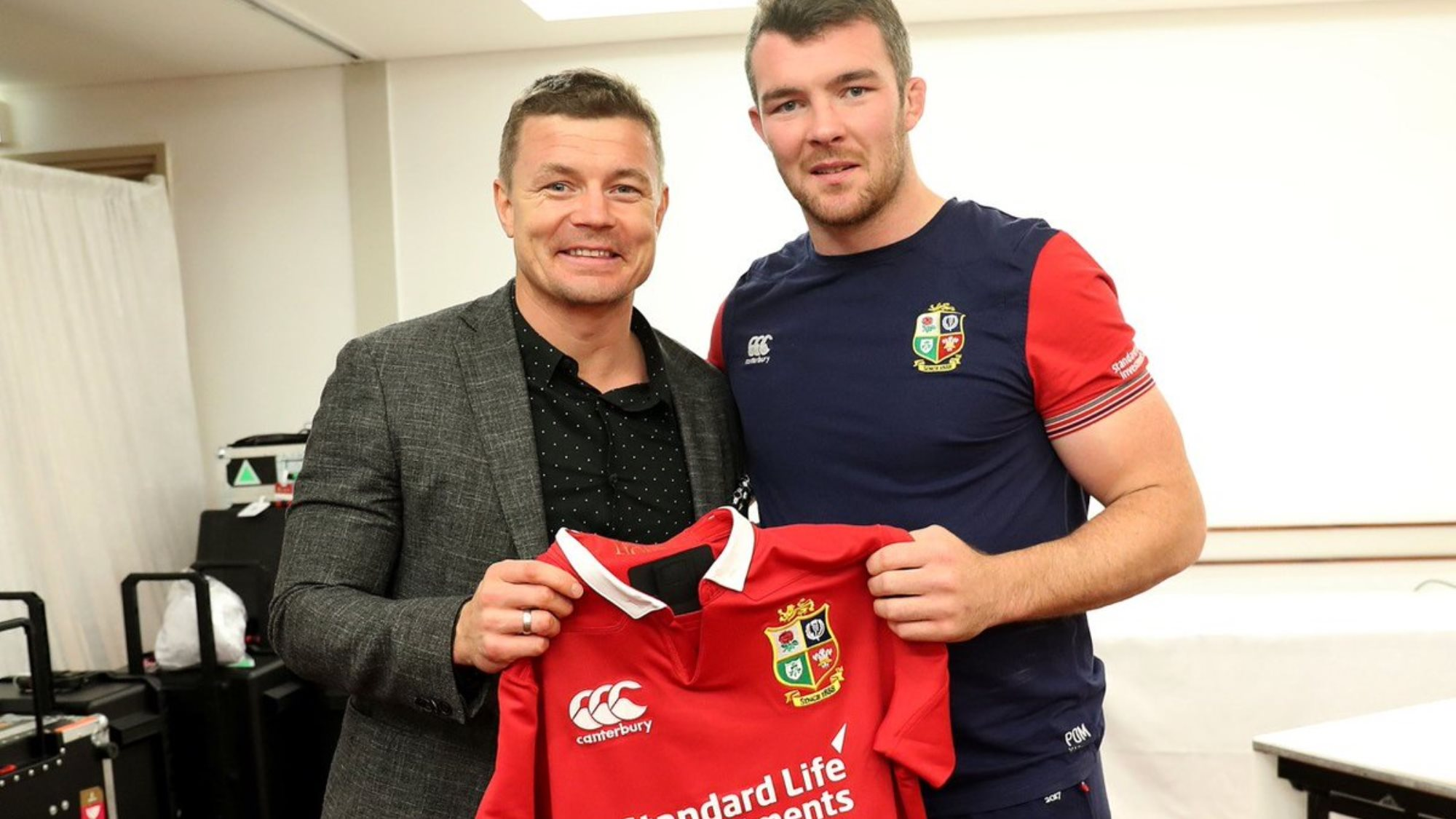 Brian O'Driscoll presents Test jerseys on eve of All Blacks clash