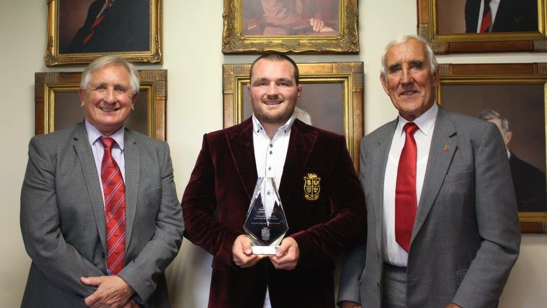 Owens honoured by home club for achievements on Tour