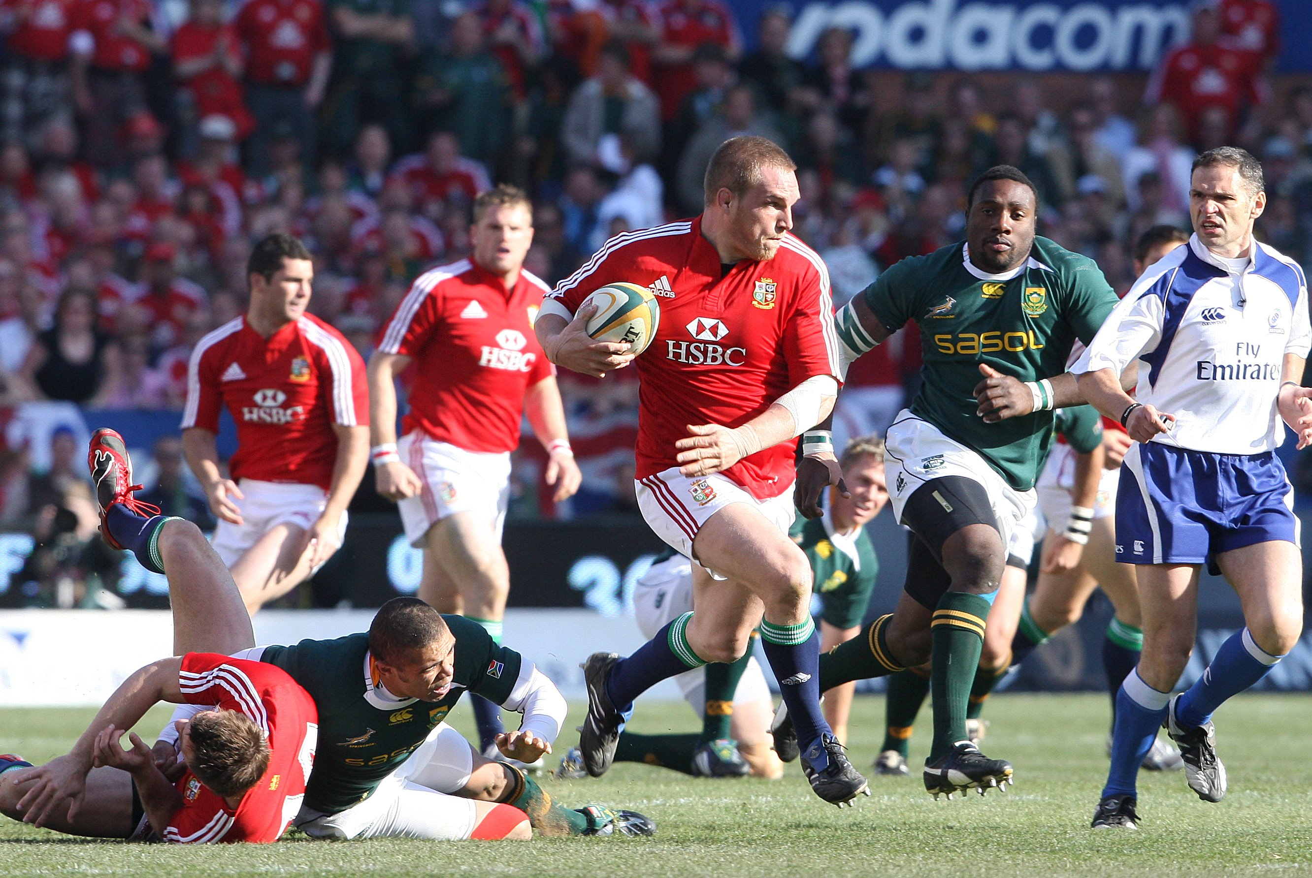 Wales great Gethin Jenkins announces retirement from rugby