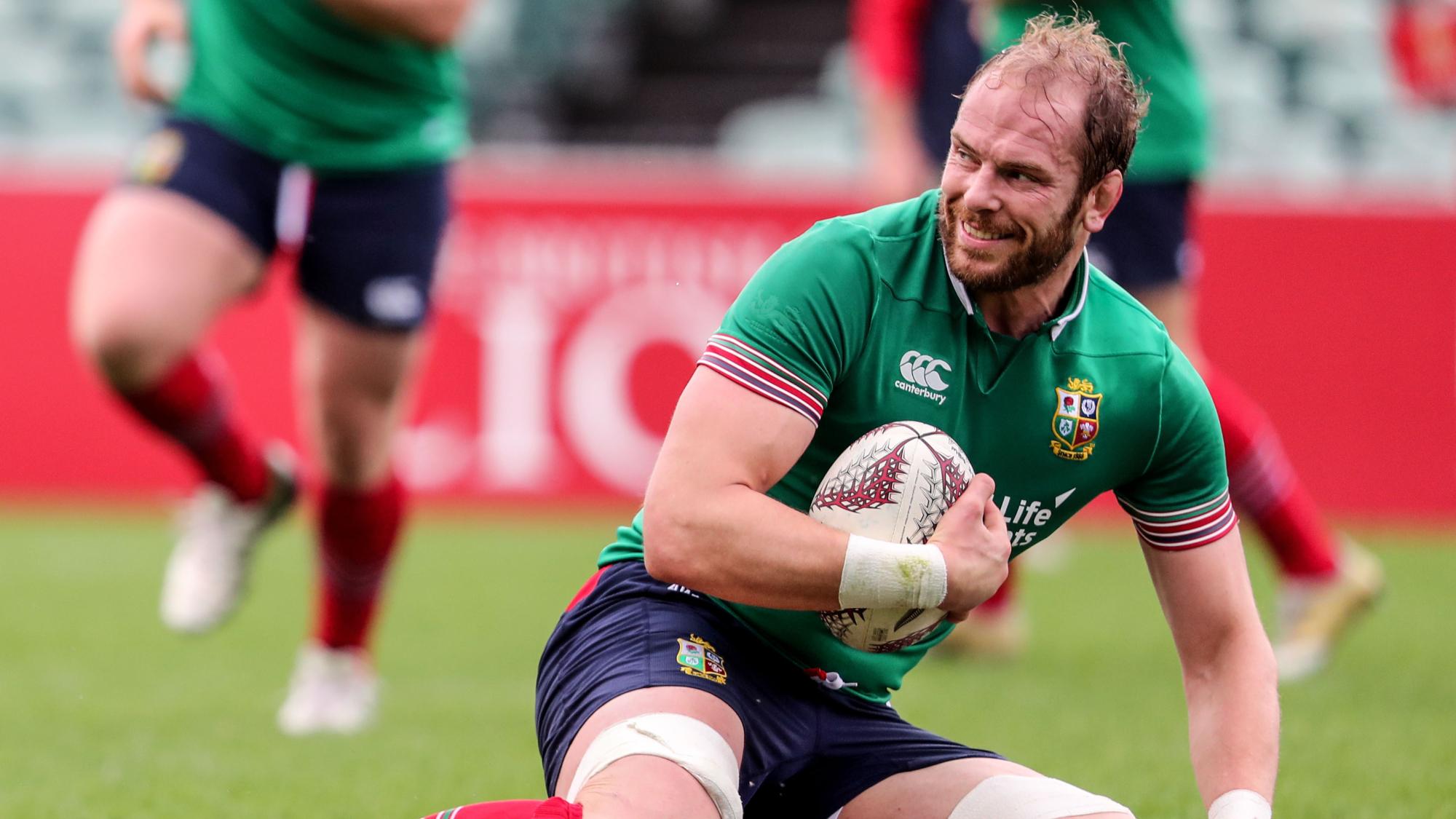 Alun Wyn Jones signs new Wales and Ospreys deals