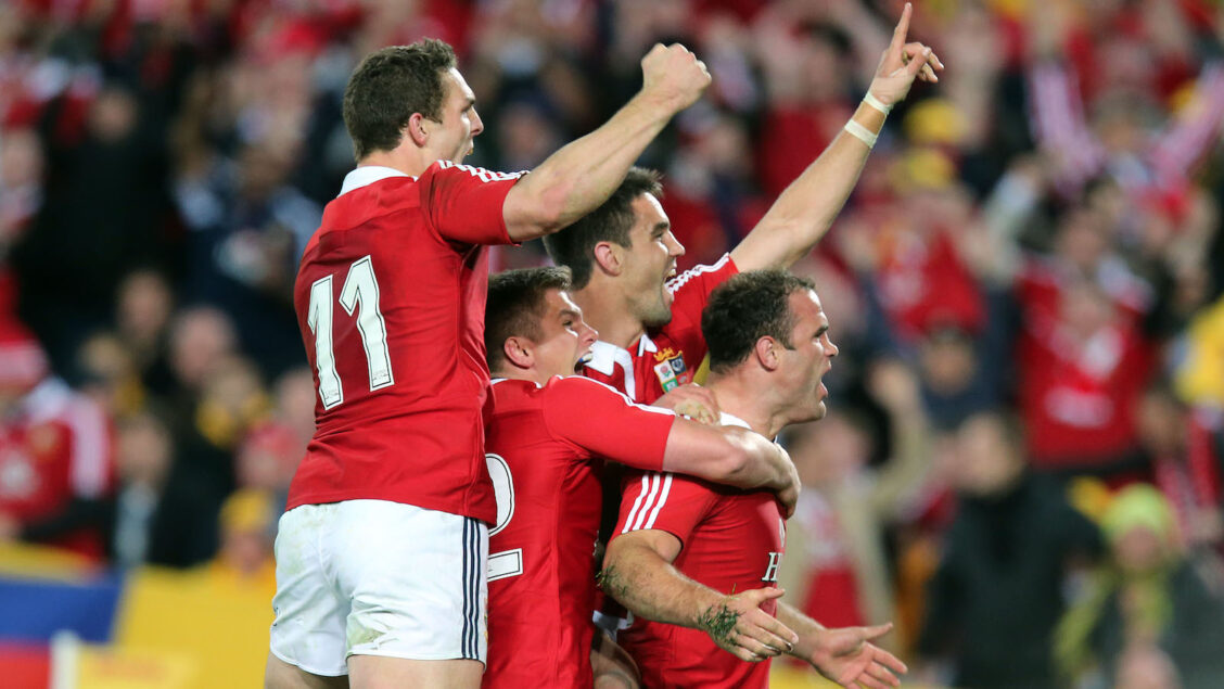 Roberts returns to Welsh regional rugby with Dragons