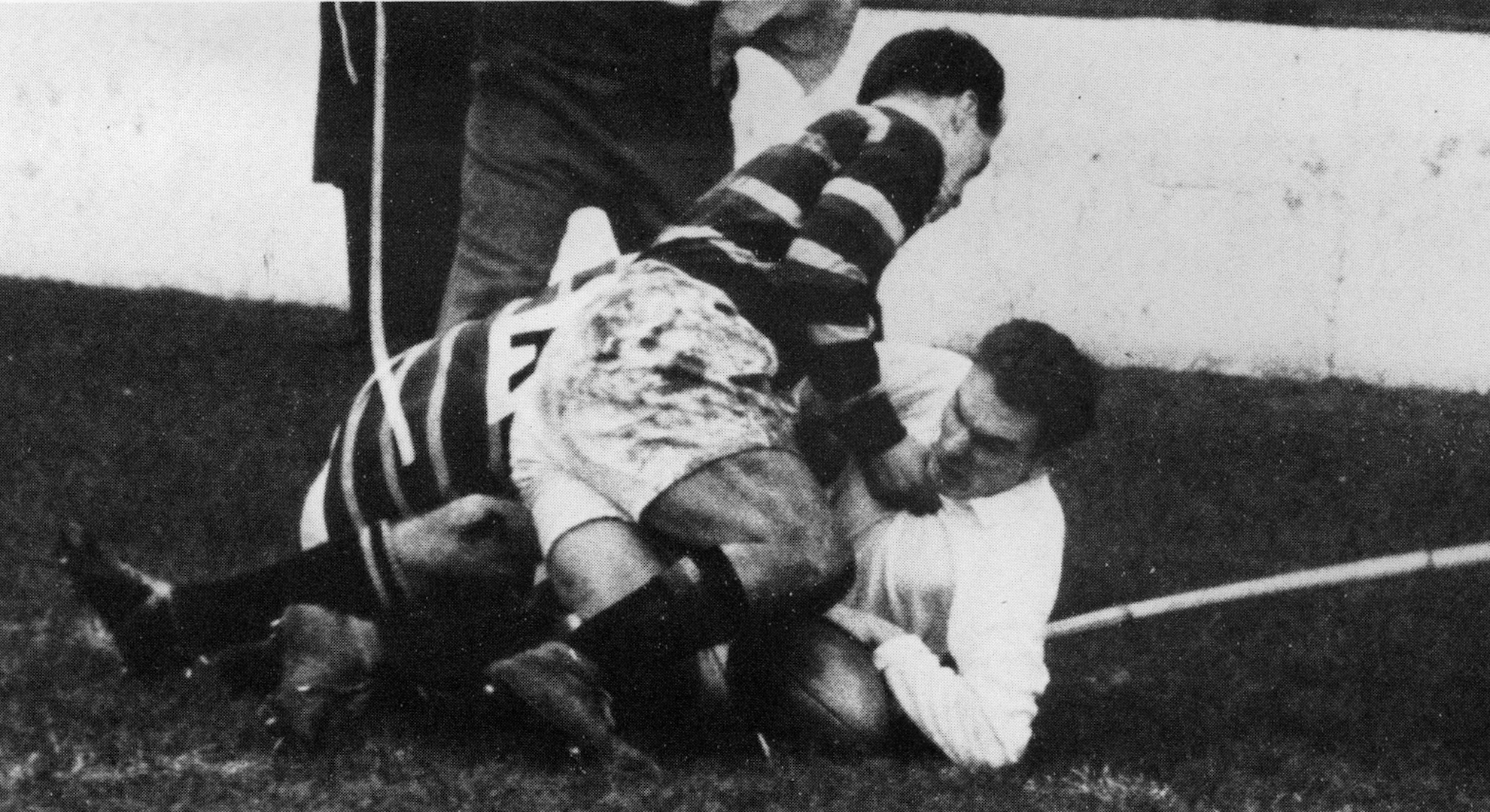 Bebb scores a try for Swansea