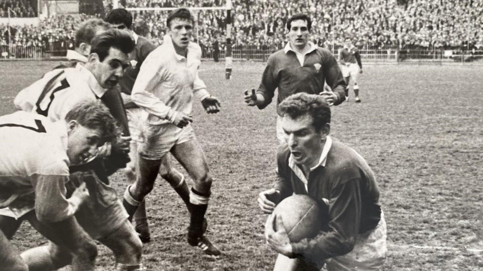 Dewi Bebb carries the ball