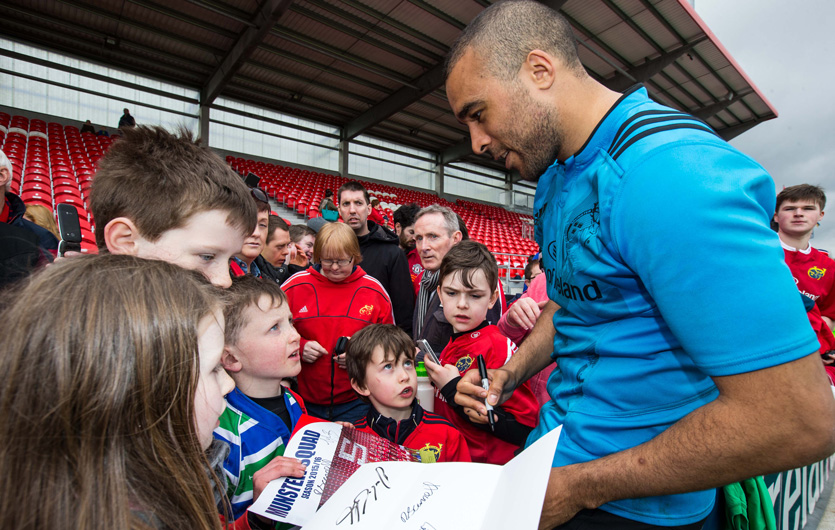 Simon Zebo signs autographs during last year's Open Training Session in Irish Independent Park.