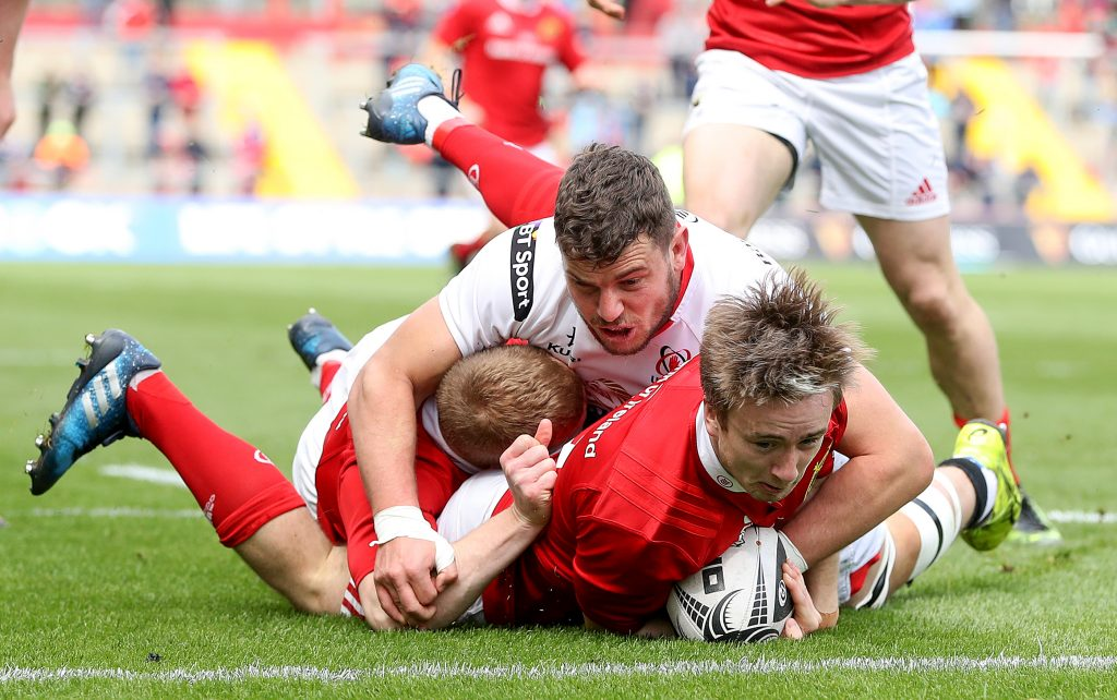 Angus Lloyd scores his 1st Munster try this afternoon.