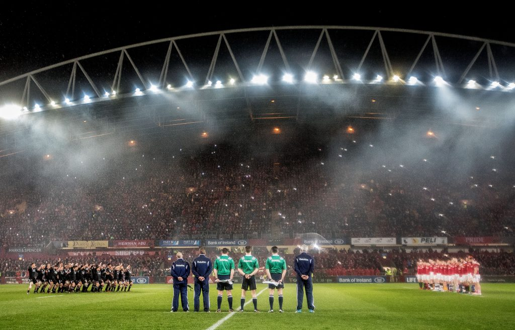 Munster face the Maori All Blacks haka.