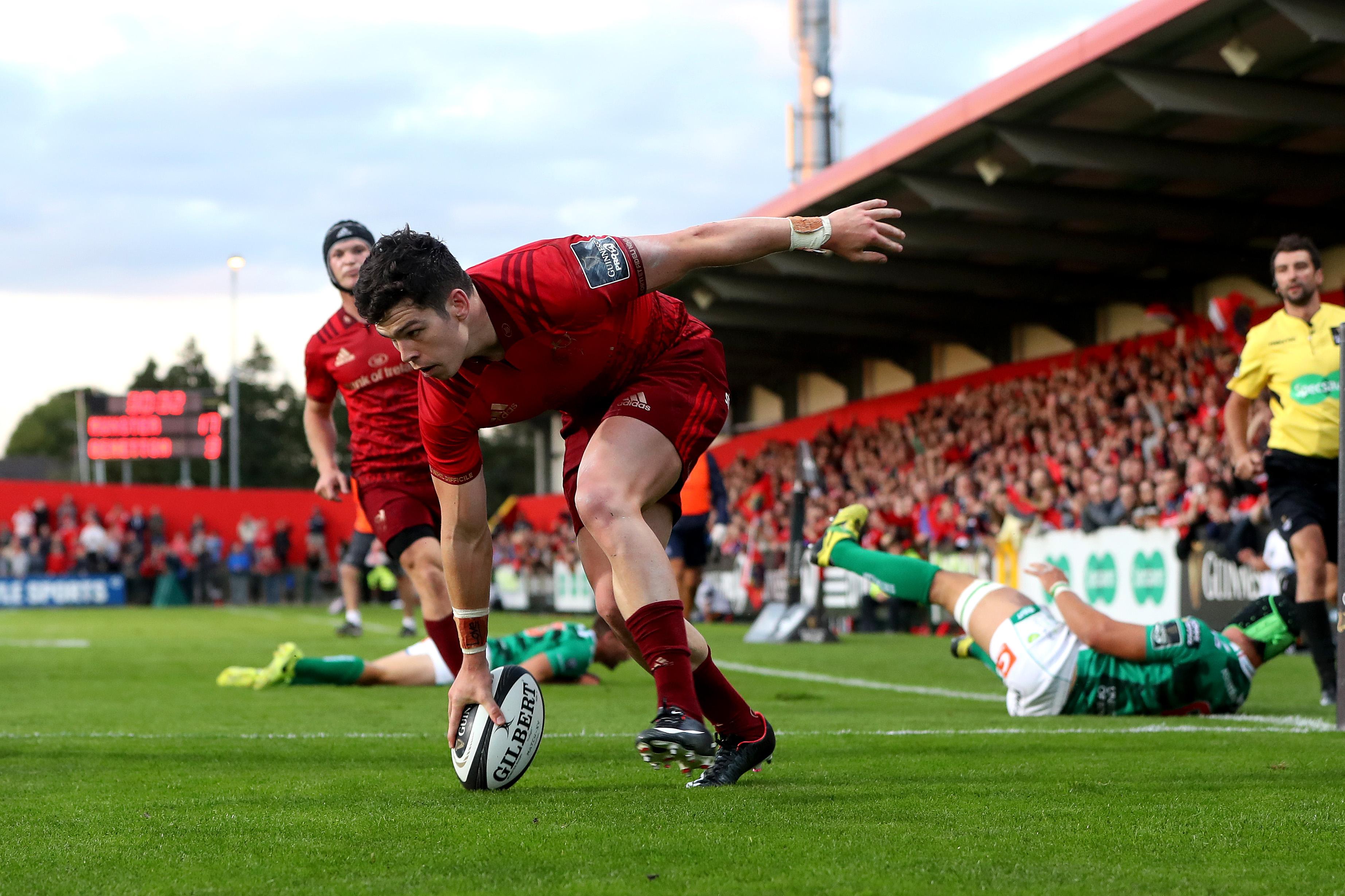 Alex Wootton scores Munster bonus point try.