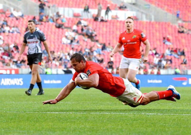 Arno Botha dives over for Munster
