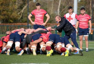 Graham Rowntree with the forwards.