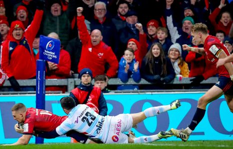 Andrew Conway scores against Racing 92 last month.