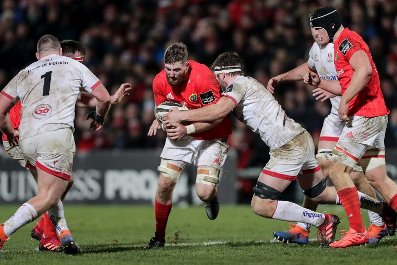 Darren O'Shea is tackled by Iain Henderson.