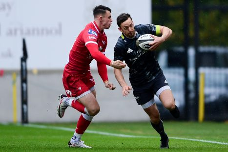 Darren Sweetnam in action against Scarlets.