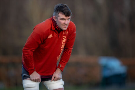 Peter O'Mahony sustained a deep laceration to his thigh against Leinster.