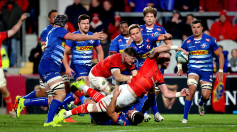 RG Snyman scores the fifth Munster try.