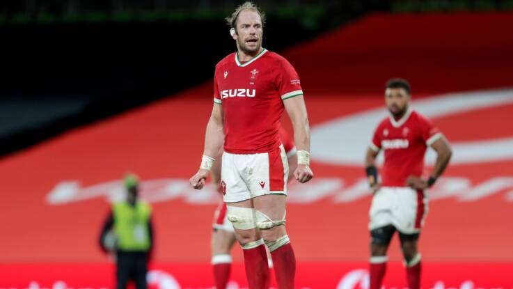 Jones returns to captain Wales against England