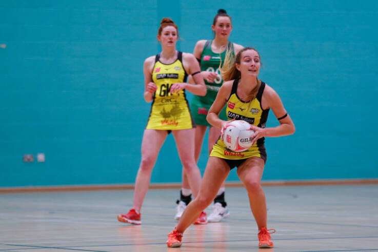 Amy Carter of Manchester Thunder playing against Celtic Dragons.