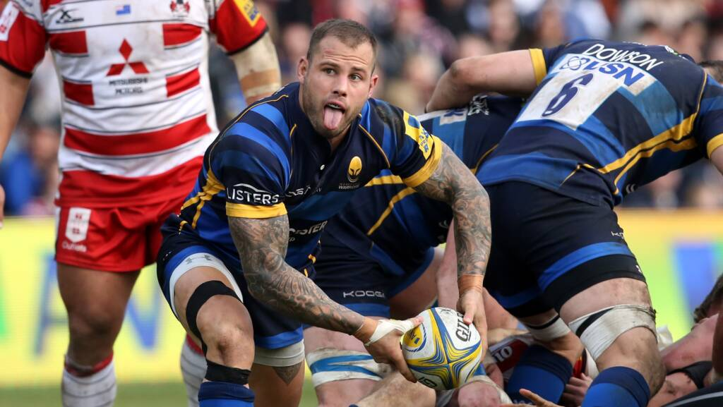 Hougaard commits future to Warriors