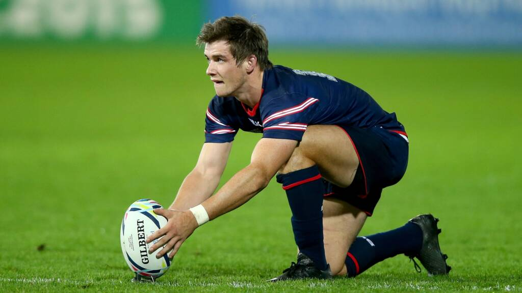 Sale Sharks sign AJ MacGinty