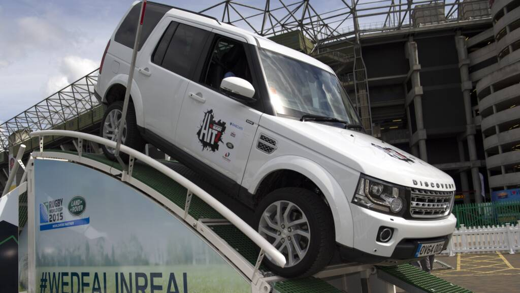 Land Rover at the final