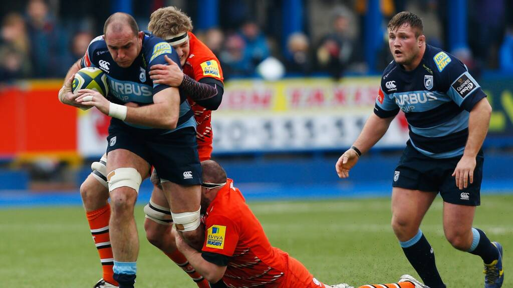 Sale Sharks Sign Lou Reed