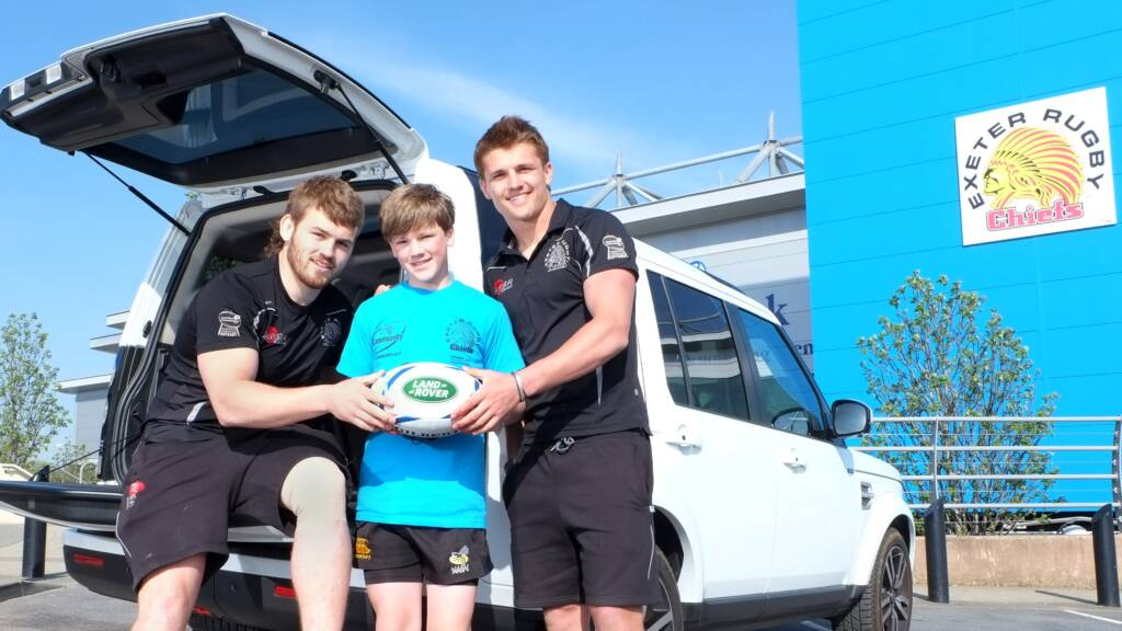 Slade and Cowan-Dickie surprise Rugby World Cup mascot thanks to Land Rover Premiership Rugby Cup