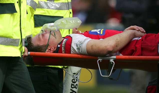 Lewis injury overshadows Gloucester win