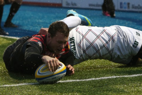 Saracens 49 Leicester Tigers 10