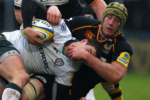 Robinson holds nerve to give Wasps vital win