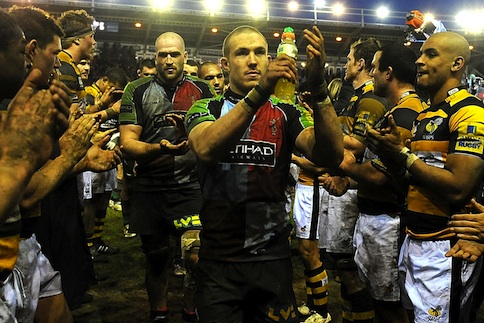 Quins win again to move into playoff position