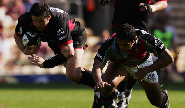 Saracens cruise past Quins in London derby